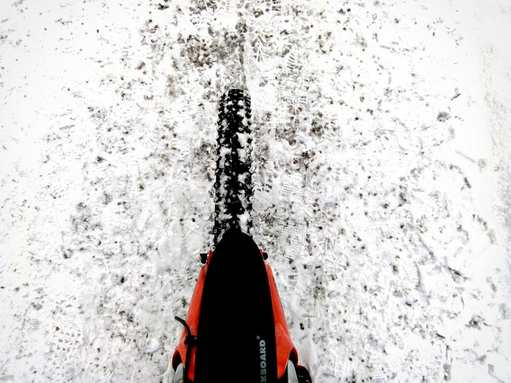 Winterbiken mit Spikesreifen – Trend oder Gimmick?
